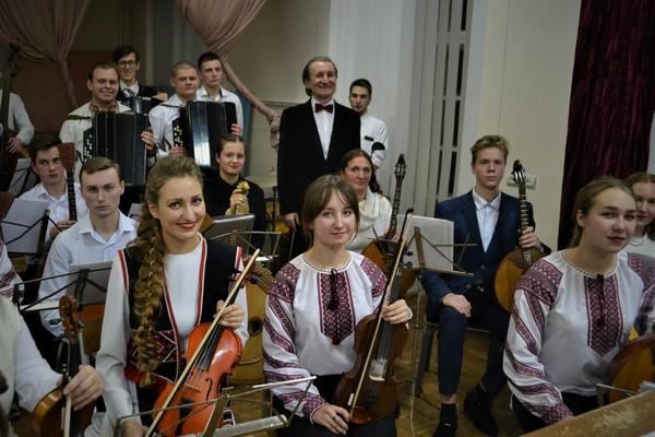оркестр народних інструментів, студенти-солісти, відзнаки