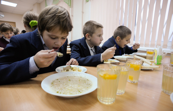 сніданки, доплата, освіта