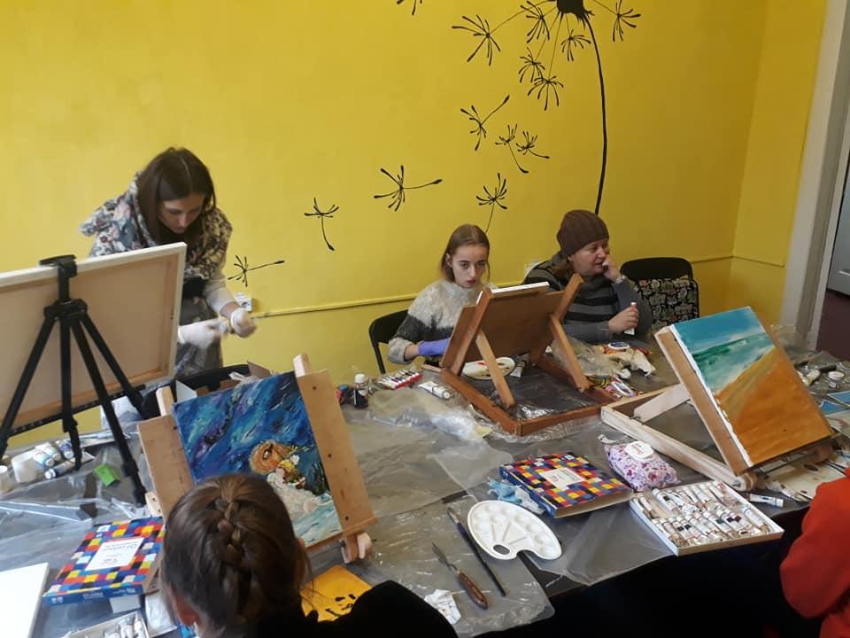 художня майстерня, молодіжний центр, Оксана Багмет