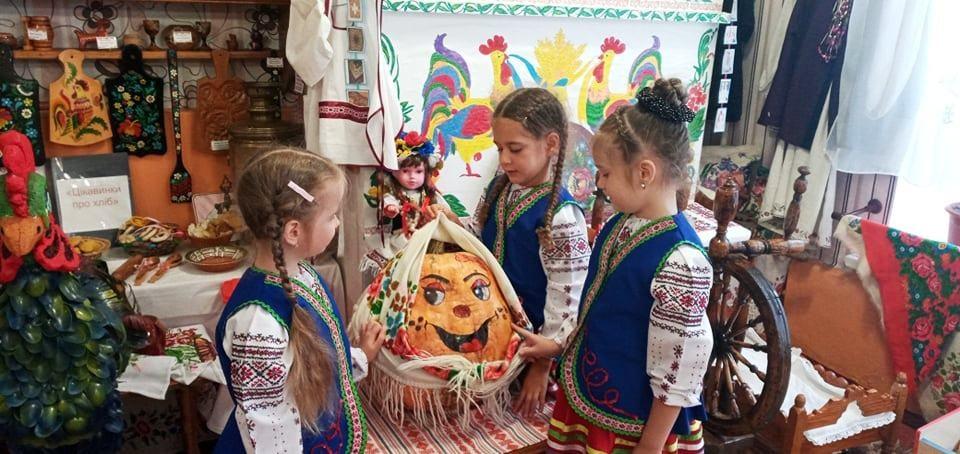 """садок №13""""Берізка"""", діти, гарбузи, Світлана Старостенко, Микола Бринза"""