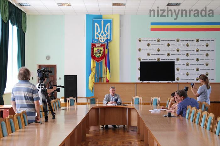Прес-конференція, Анатолій Лінник