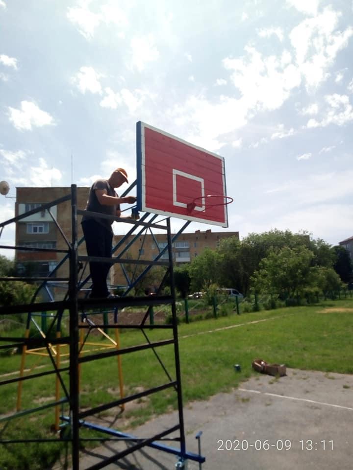спортивний майданчик, вулиця Амосова, благоустрій