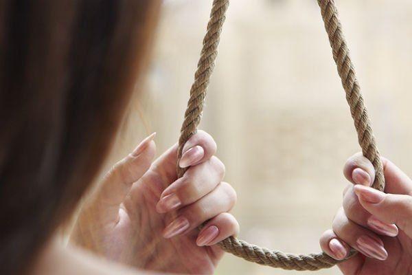 самогубство, дівчина