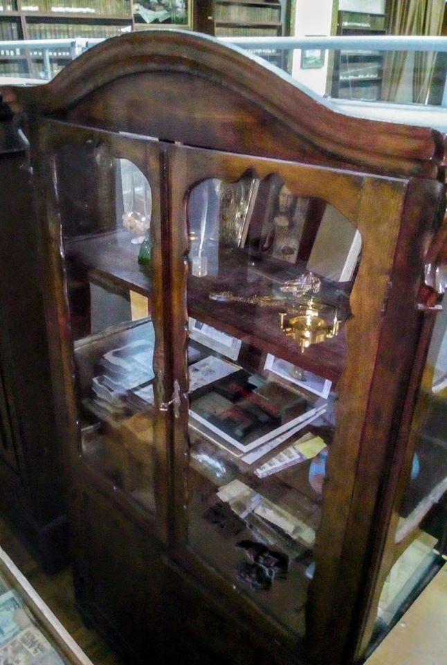 музей, Ю. Лисянський, меблі, експозиція