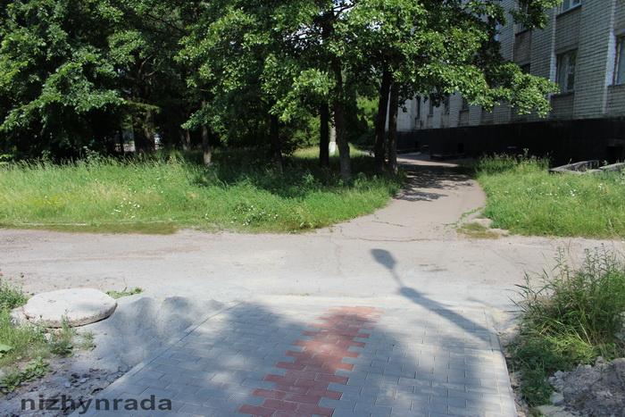 "тротуар, дитячий майданчик ""Корабель"", Театральний сквер"