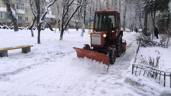 комунальна нарада, прибирання, сніг, маршрутки, графік