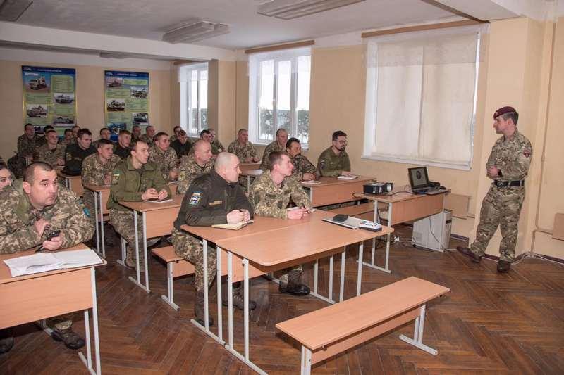 Десна, навчання, армія