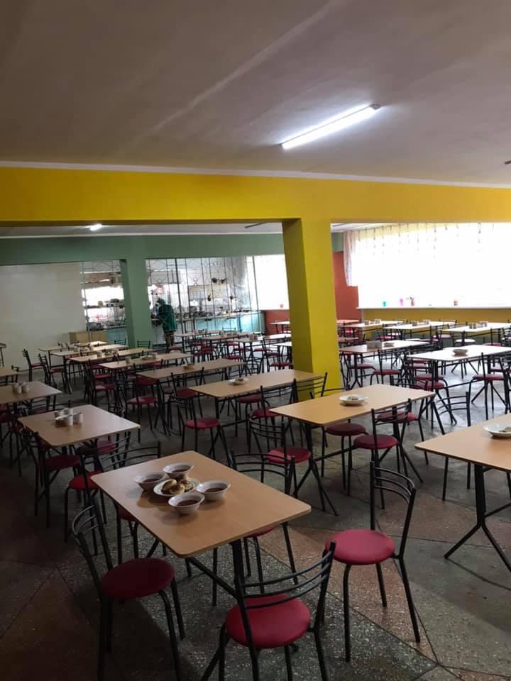 школа, їдальня, нові меблі