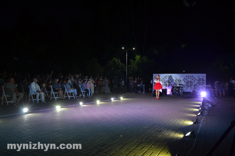 шоу, показ, мода, дизайнери, Театральний сквер