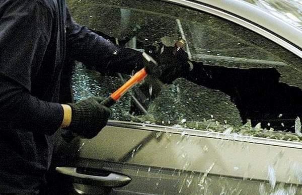 авто, грабіж, велосипед, медичні інструменти, поліція