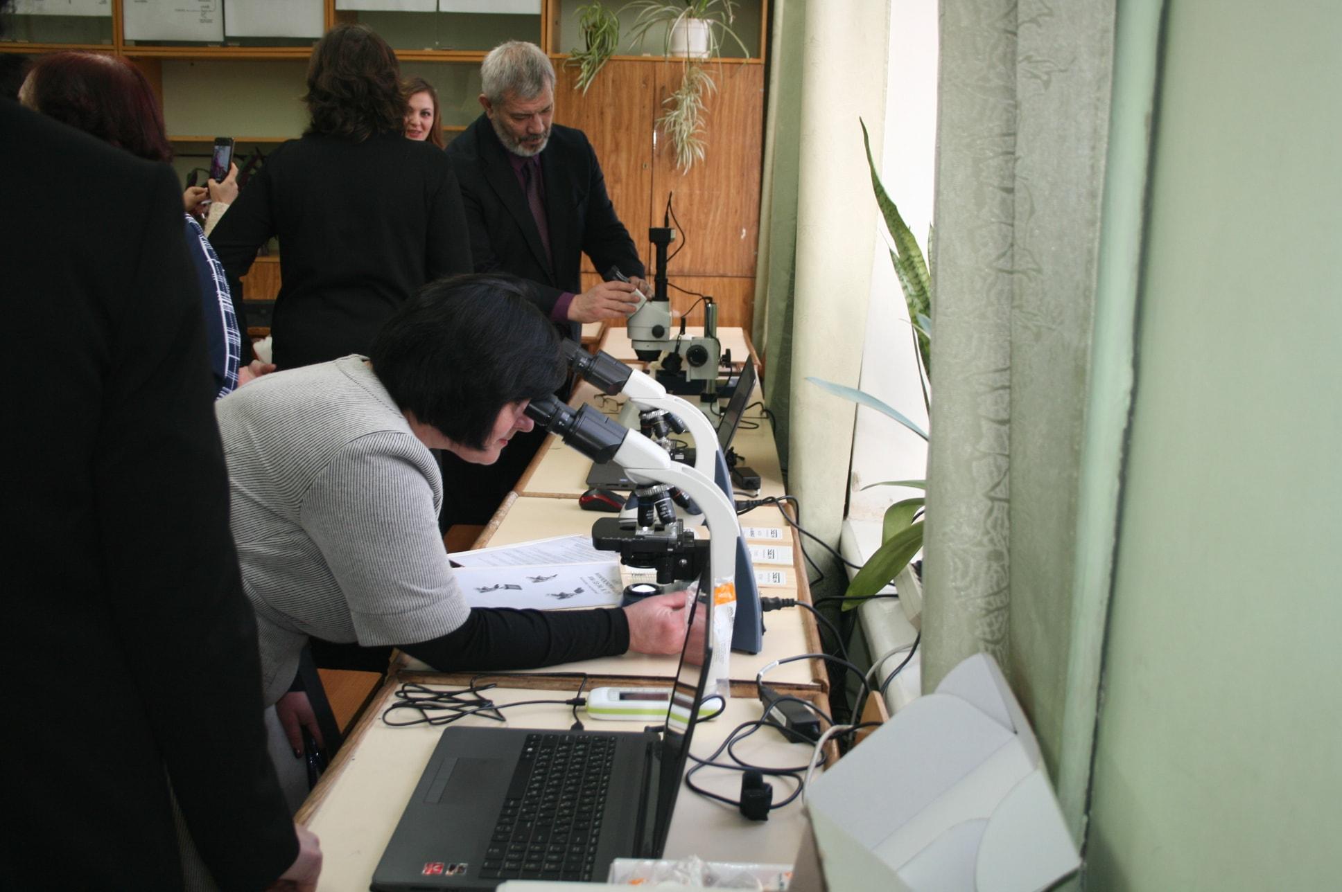 лабораторія, НДУ, біологія, обладнання