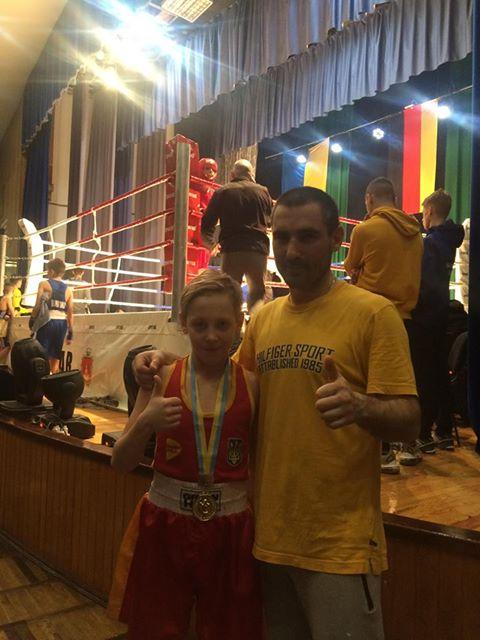 боксери, Ніжинський спортивний клуб, перемога