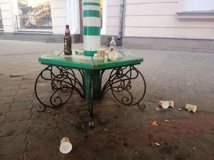 """КП """"ВУКГ"""", сміття, урни, прибиральники"""