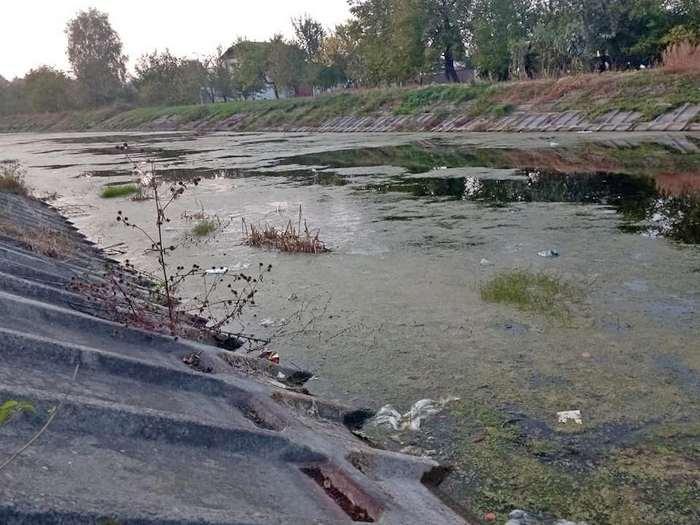 річка Остер, управління водних ресурсів, течія, втручання