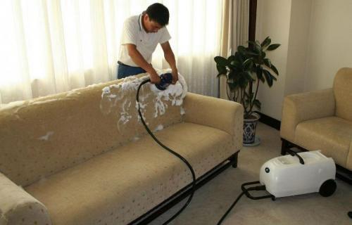 - Foderare il divano ...